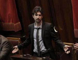 M5s invita politici umbri a versare le indennit per le for Numero parlamentari m5s