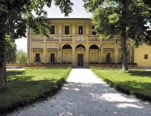 """Résultat de recherche d'images pour """"Trevi villa Fabri"""""""